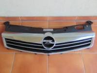 Молдинг решетки радиатора Opel ASTRA H 0