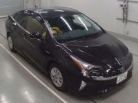 Лифтбек гибрид Toyota Prius кузов ZVW50